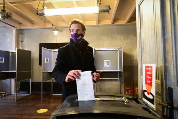 Party leader Laurens Dassen van Volt casts his vote in the parliamentary elections in Theater de Krakeling, in Amsterdam