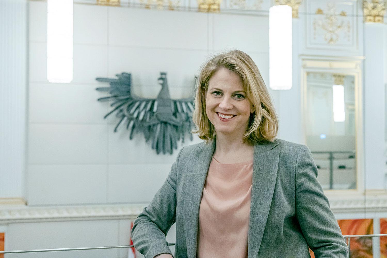 Beate Meinl-Reisinger's COVID Critique, Review And Restart For Austria